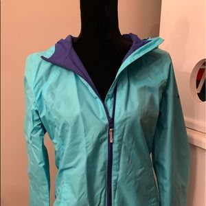 Columbia Women's windbreaker. Excellent condition